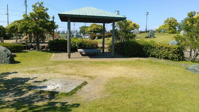 川口公園 椅子