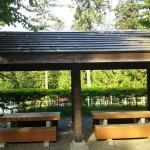北伊奈ヶ湖水辺公園BBQ場テーブル
