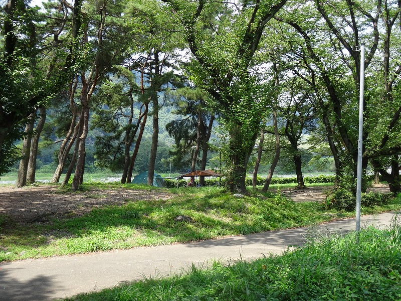 キャンプ場3