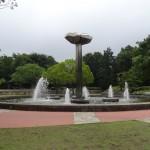 府中の森公園 花の広場の噴水モニュメント