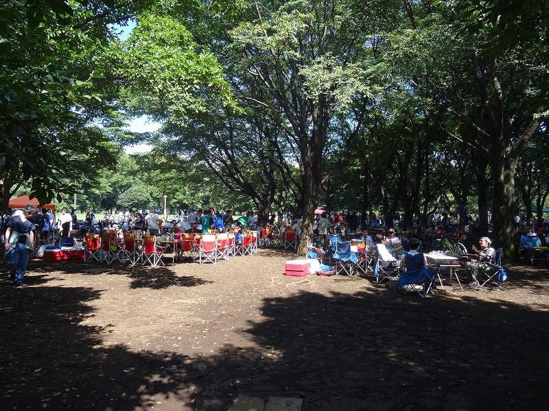 小金井公園、BBQ場は大盛況