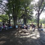 武蔵野中央公園 木漏れ日の中でばーべじゅ