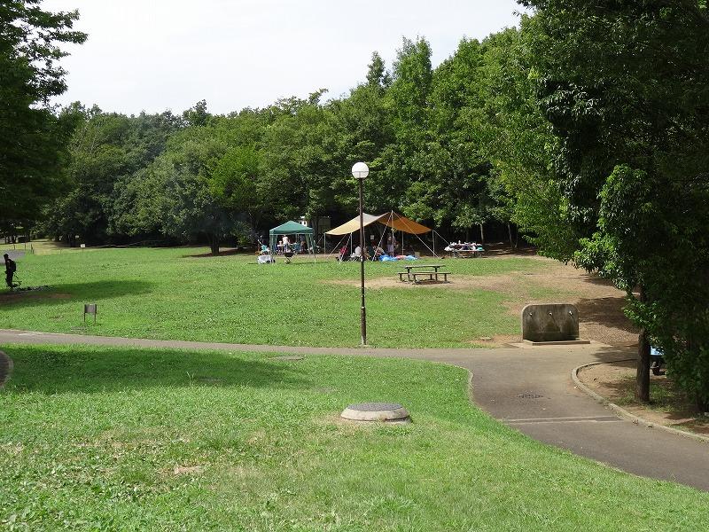 若葉台公園 バーベキュー可能な芝生広場