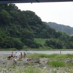 高田橋河川敷 橋下でバーベキュー