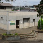 高田橋河川敷 住宅街側のトイレ