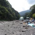 氷川キャンプ場 多摩川の河原