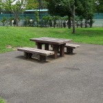 稲城北緑地公園 テーブル席