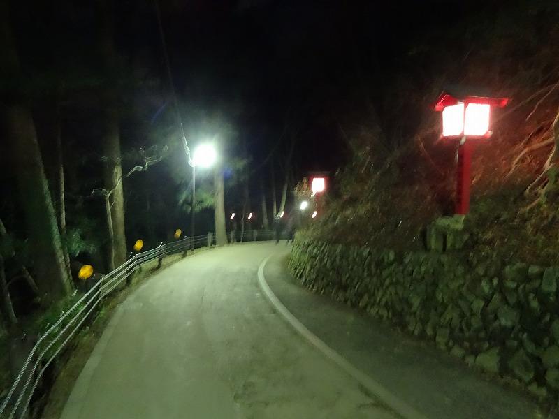 参拝後の帰り道は少々疲れたので女坂から下山します。