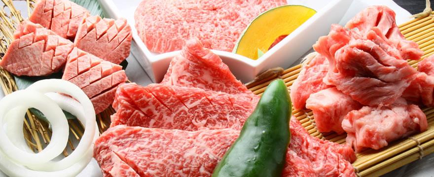 市場直送の肉と食材