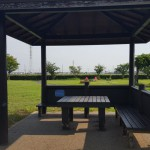 高須賀池公園 屋根付きベンチ