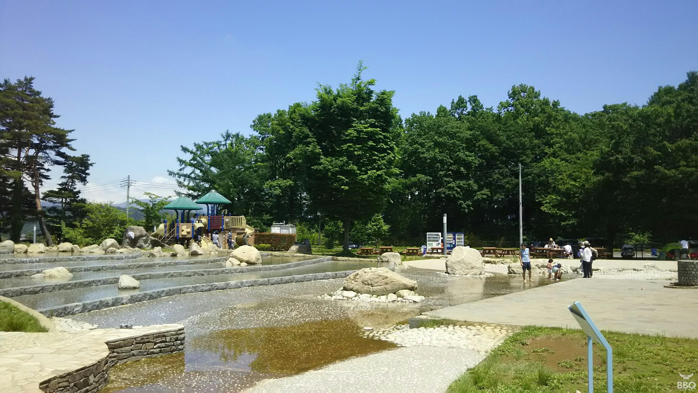 白州・白尾の森名水公園ベルガ親水池