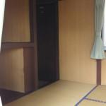 津原キャンプ場コテージ室内